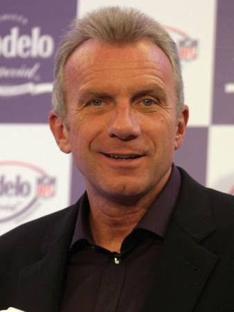 joe montana essay Introducing: joe montana's wine country estate, villa montana first-person essays, features, interviews and q&as about life today عربي (arabi.