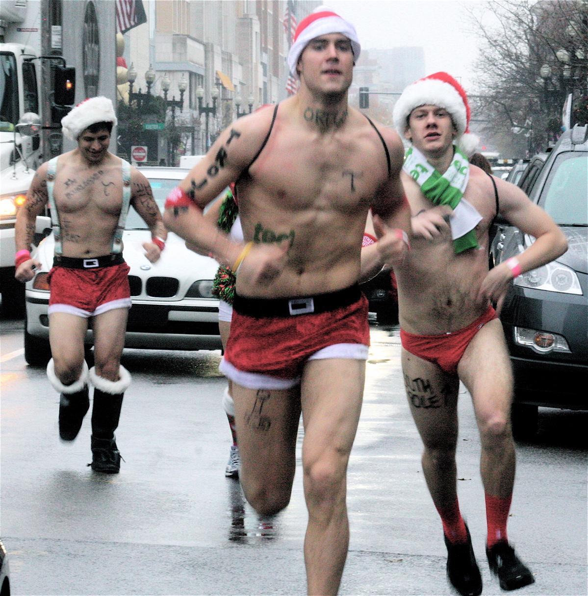 boston-santa-speedo-run-2012-1