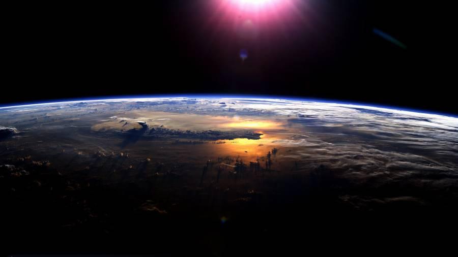 earth-and-sun-x