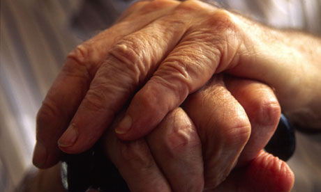 hands-of-elderly-man-hold-006