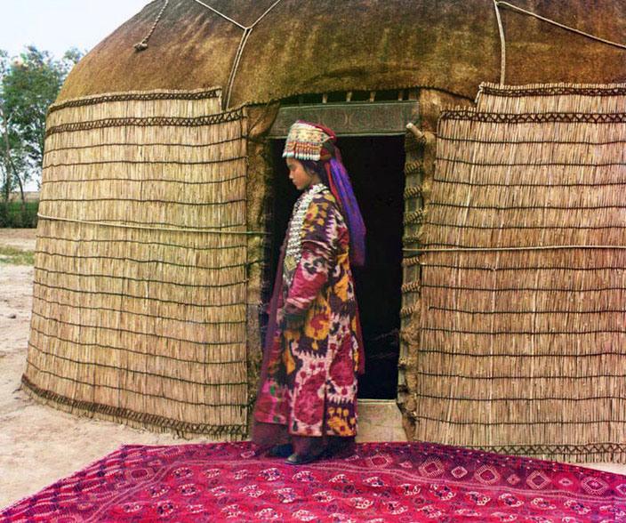 Uzbek woman, ca. 1907-1915.