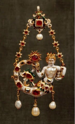 Pendant (enameled gold, pearls, diamonds and rubies) of a mermaid from Germany, c. 1580 – 1590, housed at the Museo degli argenti, Florence, Italy.